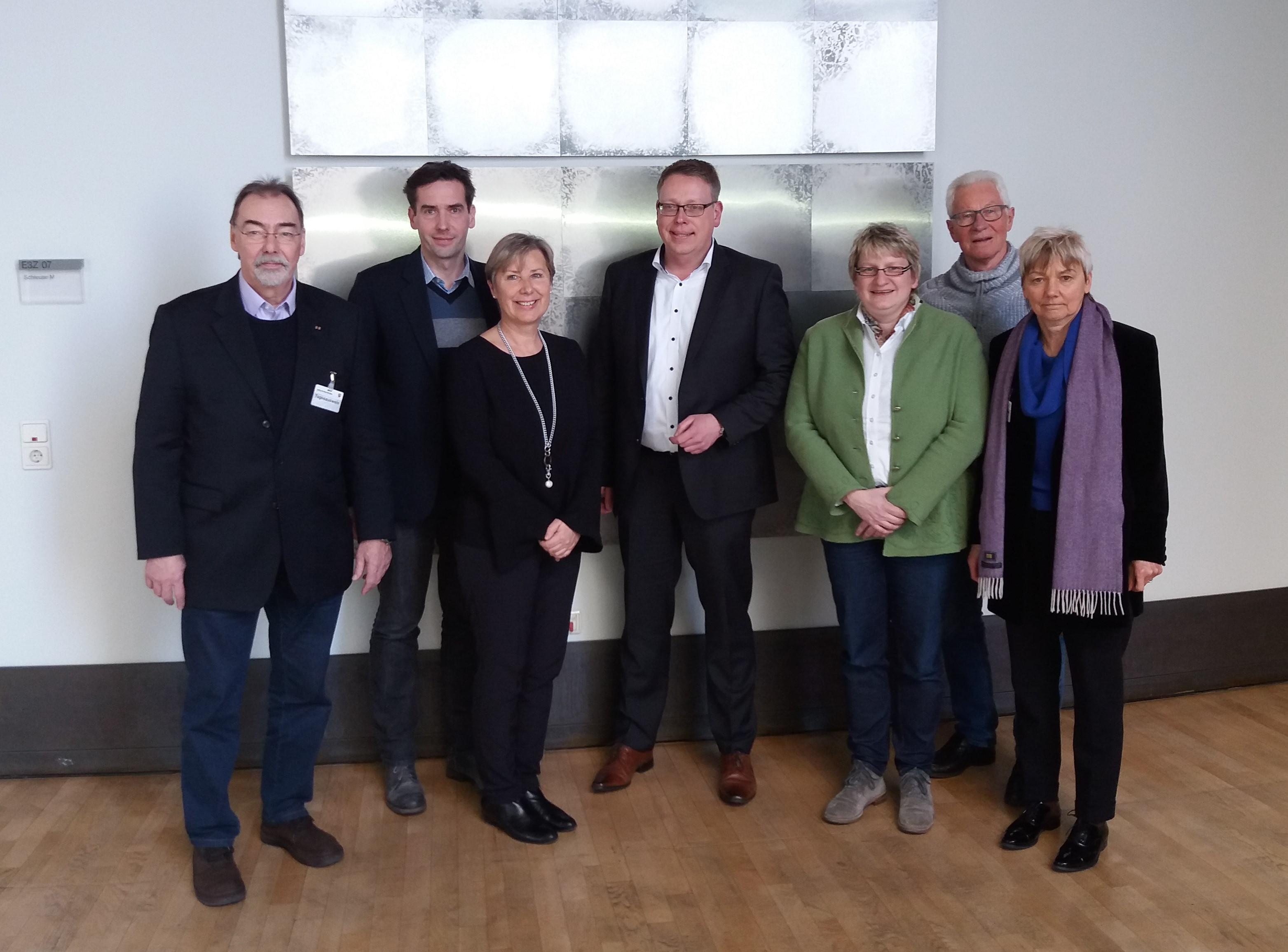"""Landtagsabgeordnete sichern Unterstützung für Bewerbungskonzept """"Schule und Leistungssport in Krefeld"""" zu"""