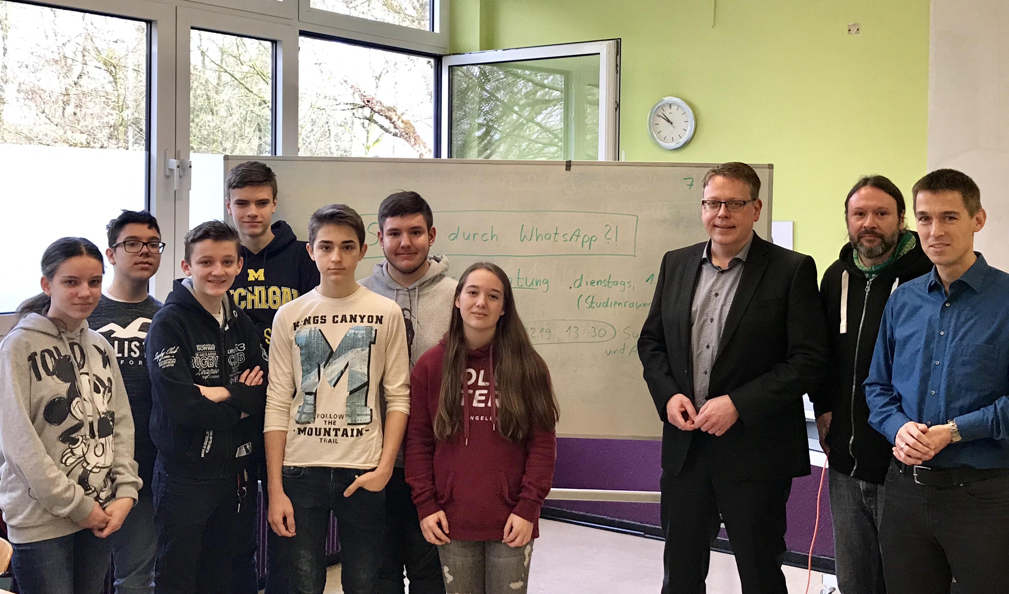 MdL Blondin besucht Gymnasium am Stadtpark Uerdingen