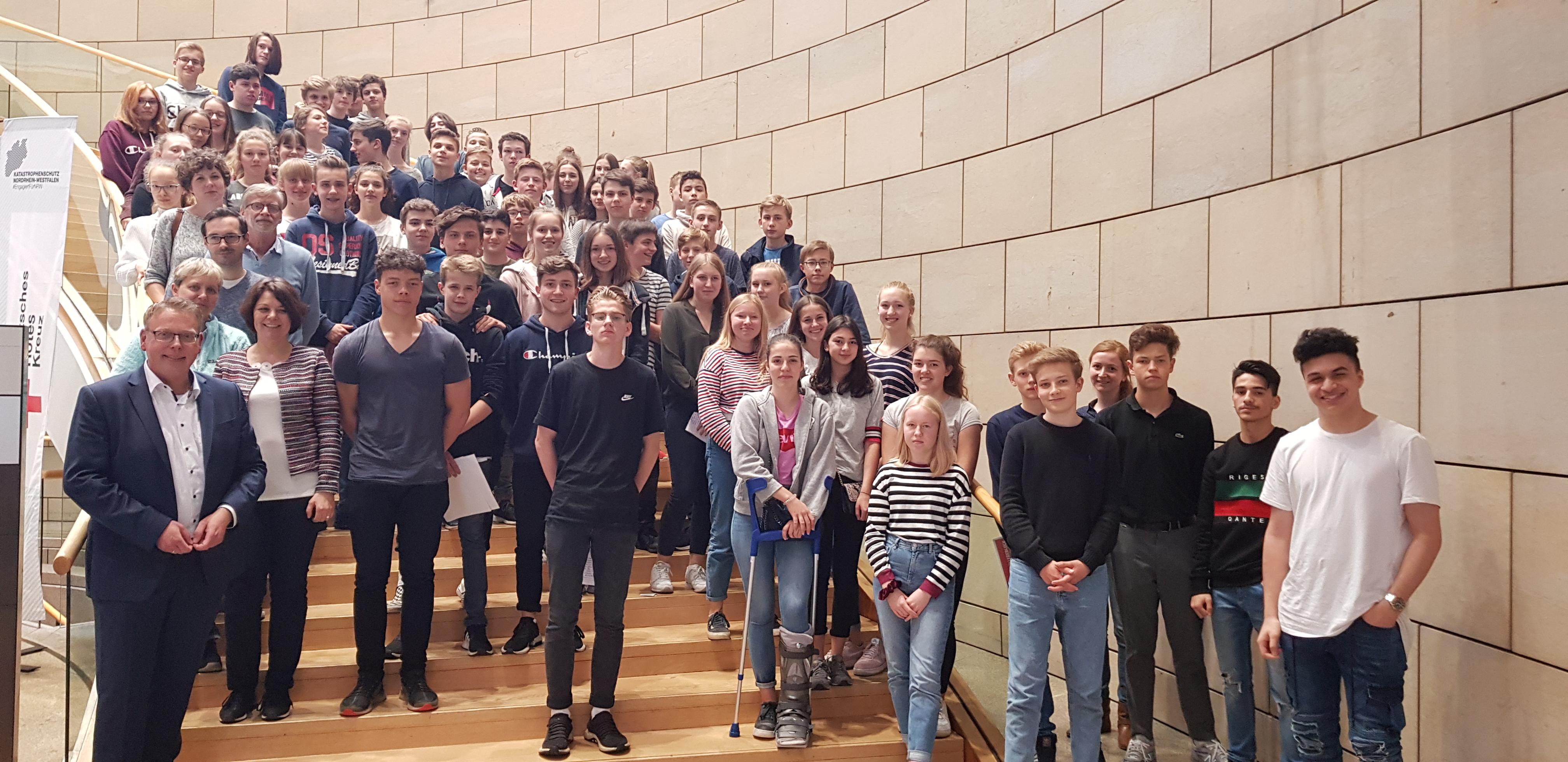 Landtagsbesuch von Schülerinnen und Schülern des Fabritianums